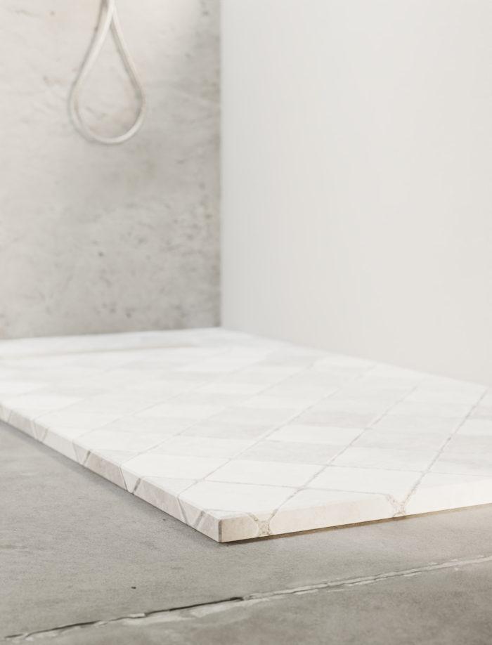 Tiles grid design shower tray, detail